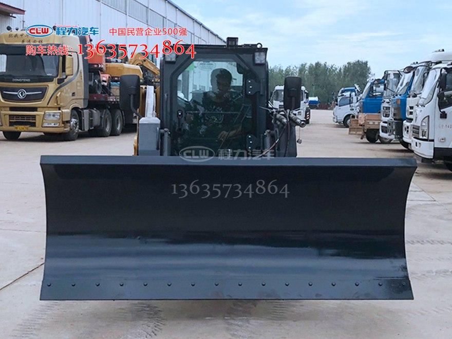 徐工XC760K滑移装载机装雪铲