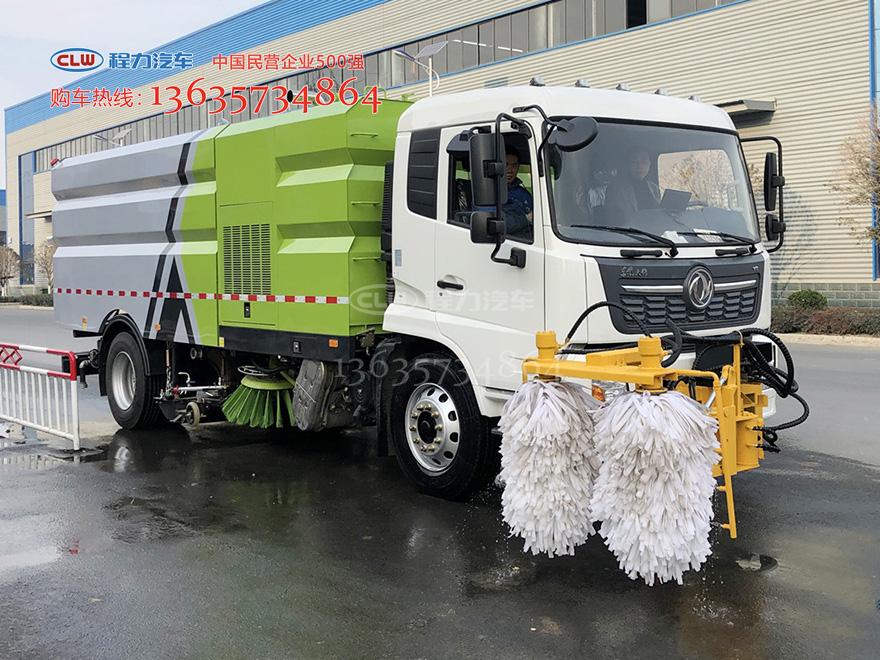 国六天锦洗扫车加装高速护栏清洗机